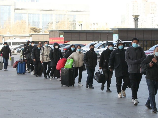 Chiny. Nowe testy na obecność koronawirusa. Wykonuje się je analnie