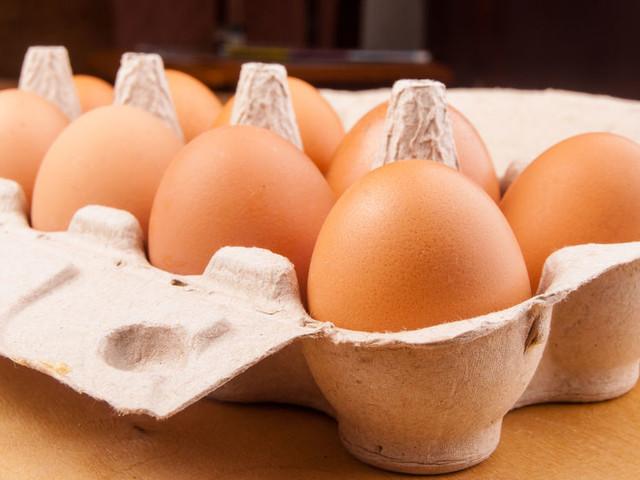 Dlaczego jaja tak drożeją? Polacy mogą zniechęcić się do jajecznicy