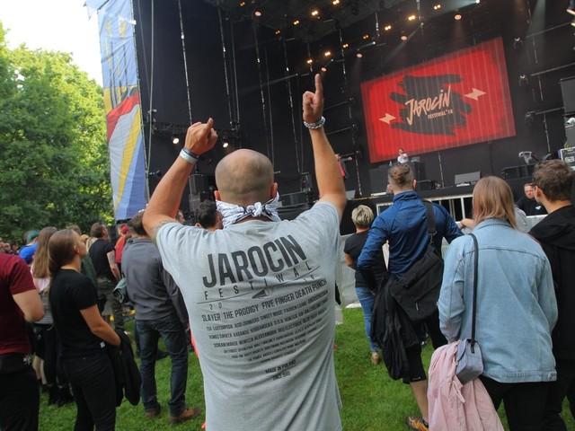 Jarocin Festiwal 2021 - wiemy, jacy artyści zaprezentują się na scenie. Zobacz program koncertów i ceny biletów
