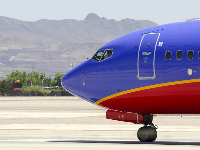Awaryjne lądowanie samolotu. Pasażerowie poczuli dym i dziwny zapach