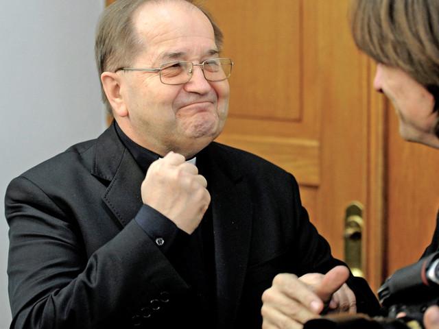 Unijne dotacje na naukę obsługi komputera. Pieniądze otrzyma fundacja o. Tadeusza Rydzyka?