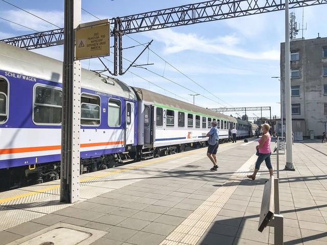 """Pociągi dalekobieżne przeżywają renesans. """"PKP Intercity zauważa trend"""""""