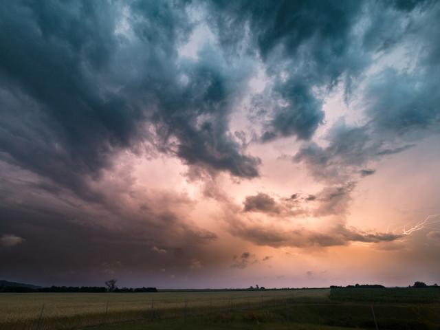 Takie burze w Polsce zdarzają się niezwykle rzadko. Bow echo sprawcą wielkich strat