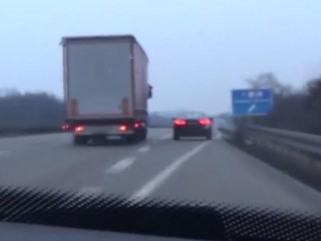 #dziejesiewmoto: policyjny pościg za Audi
