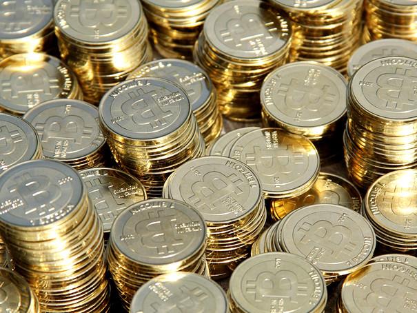 Szaleństwo na rynku bitcoina. W tym tempie wkrótce będzie wart 100 tys. dolarów