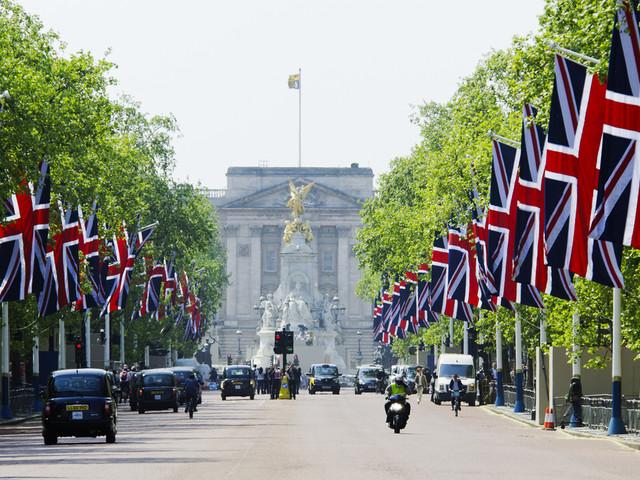 Śladami brytyjskiej rodziny królewskiej. Miejsca, których nie można przegapić