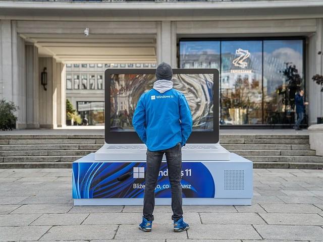 Mieszkańcy Warszawy i Gdańska zobaczyli się dzięki Windows 11