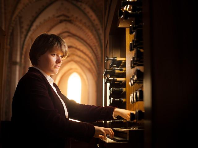Organy Ladegasta grają w południe i wieczorem