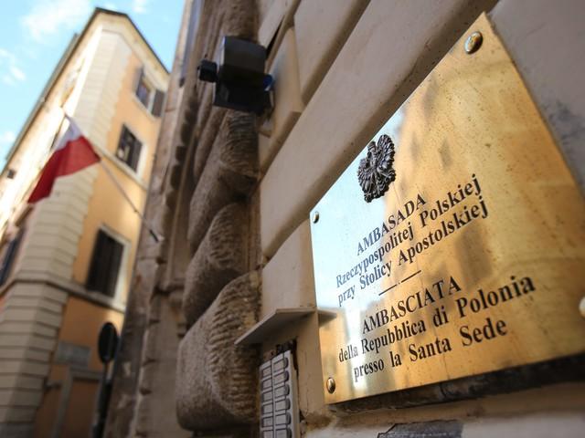 Portugalski tygodnik o polskich obozach koncentracyjnych. Ambasada RP reaguje