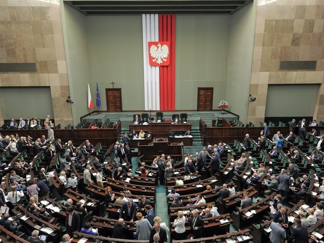 Gorący dzień w Sejmie. Głosowanie ws. referendum edukacyjnego