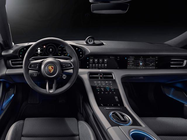 Fler bilder på interiören i Porsche Taycan