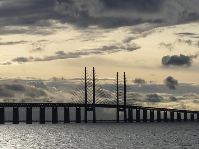 Blåsigt på bron – vindkänsliga fordon varnas