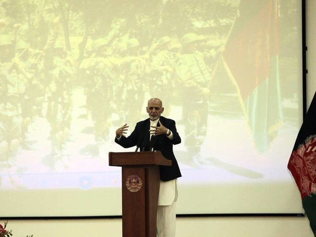 Dubbla attacker i oroligt Afghanistan