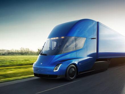 Teslas lastbil är presenterad och siffrorna imponerar