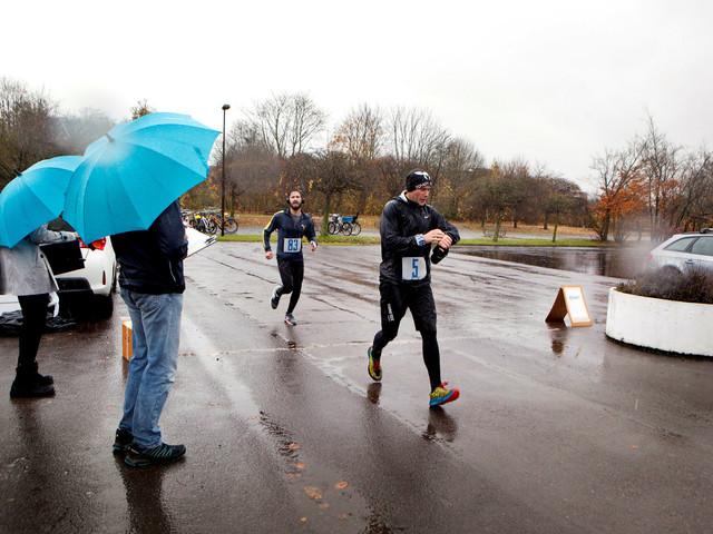 Löpare trotsade den lundensiska kylan och rundade staden