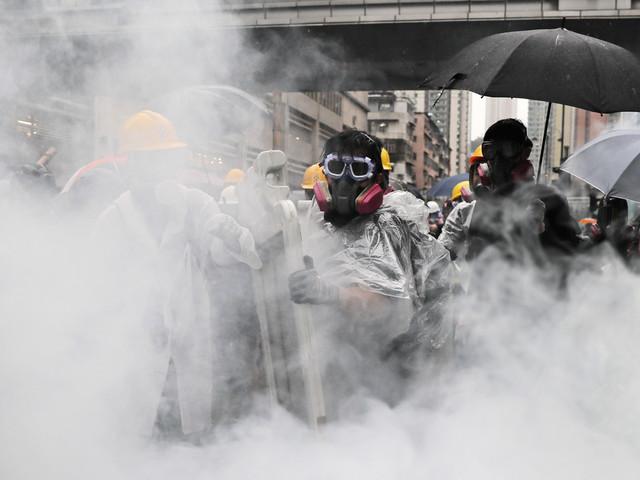 12-åring gripen vid Hongkongprotester