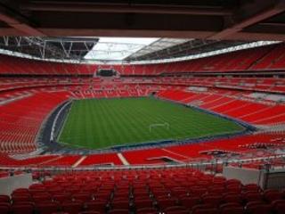 Chans till favorit i repris för England på Wembley stadium