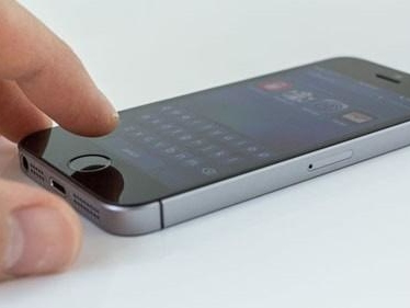 Texas Rangers kräver att Apple låser upp Iphone SE