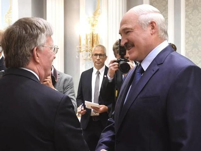 USA tinar upp relation med Vitryssland