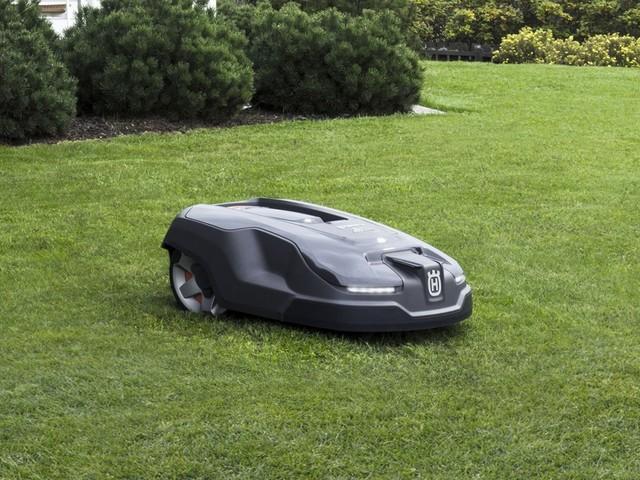 Husqvarna Automower 315X – uppkopplad robotgräsklippare med GPS-stöldskydd