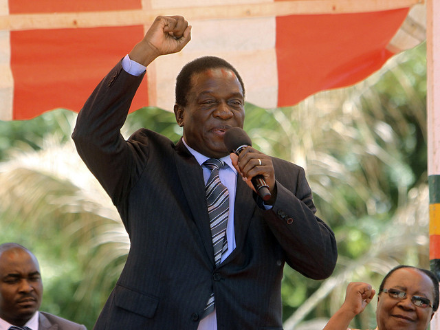 Mnangagwa tillbaka till Zimbabwe