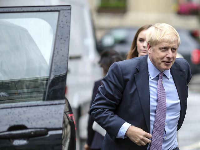 Fem kandidater ska bli fyra i Storbritannien