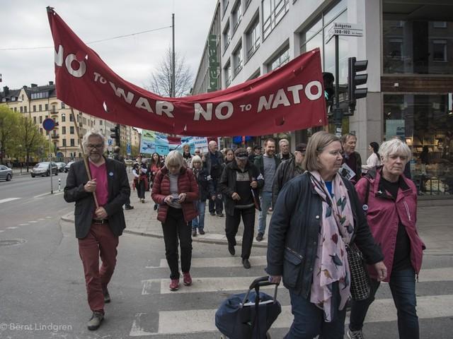 Apropå Expressen: USA älskar inte den svenska fredsrörelsen