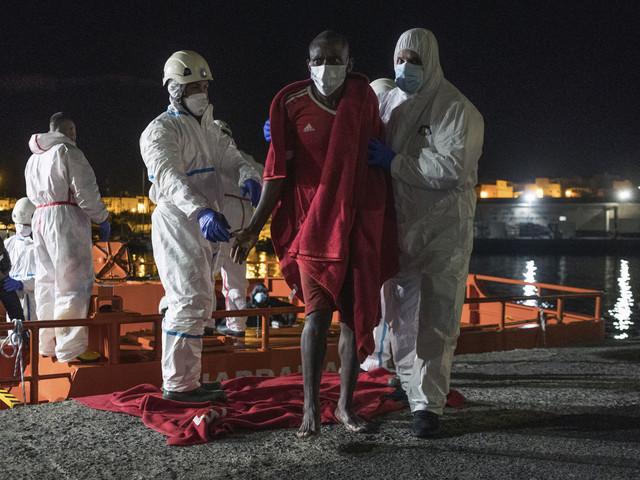 Migranter räddade vid Kanarieöarna