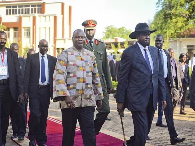 Sydsudans ledare anländer inför fredssamtal