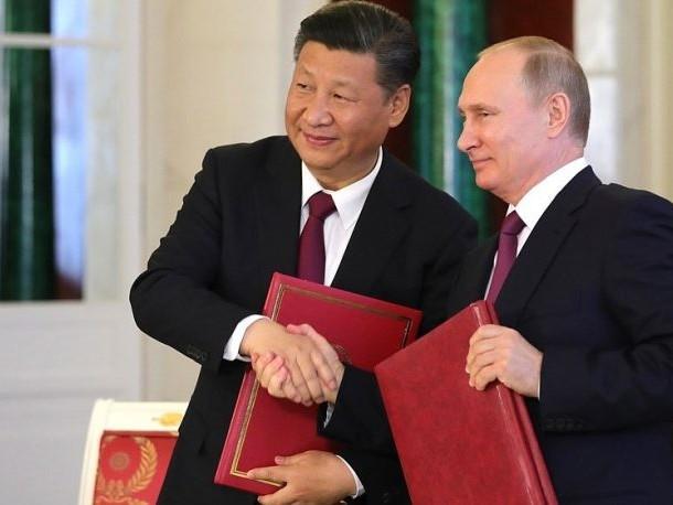 Kina och Ryssland vill knäcka dollarn med Petroyuan knuten till guld