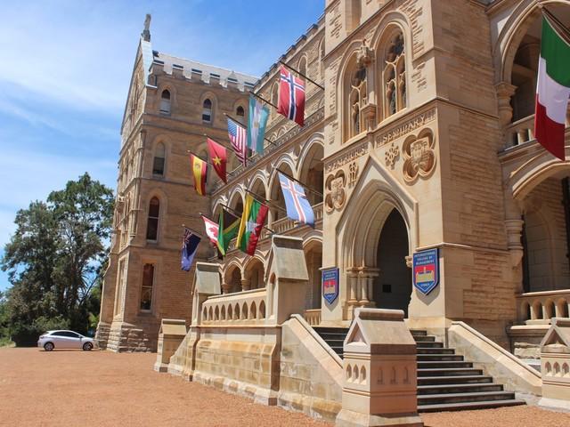 1 800 timmar praktik på ICMS i Sydney!