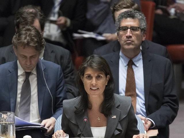 Wallström beklagar att USA:s överger MR-råd