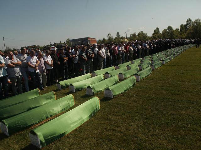 86 offer för Bosnienkriget begravdes