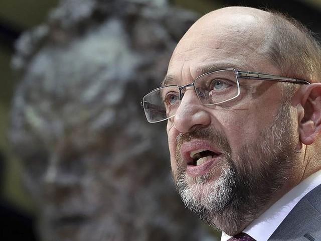 Schulz i rävsax efter val att gå i opposition
