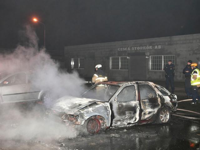 Personbil började brinna på Emilstorp