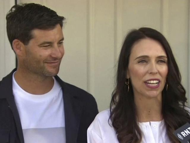 Nya Zeelands premiärminister väntar barn