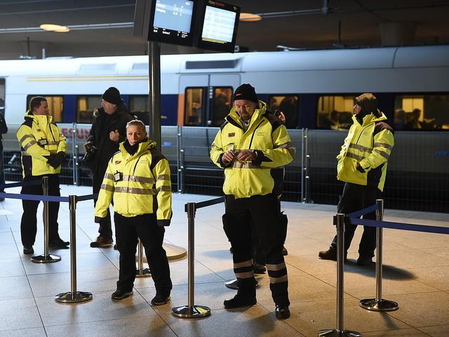 Danmark överväger gränskontroll mot Sverige