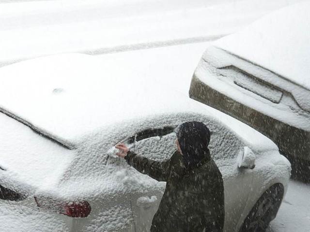 SMHI: Kallt dygnet runt och snökanoner