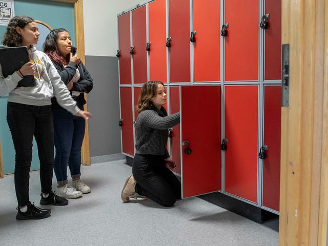 """Miljöpsykologen: """"Dagsljuset är viktigt för tonåringars arbetsmiljö"""""""