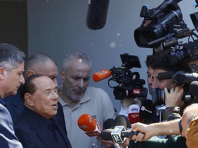 Berlusconi har lämnat sjukhuset