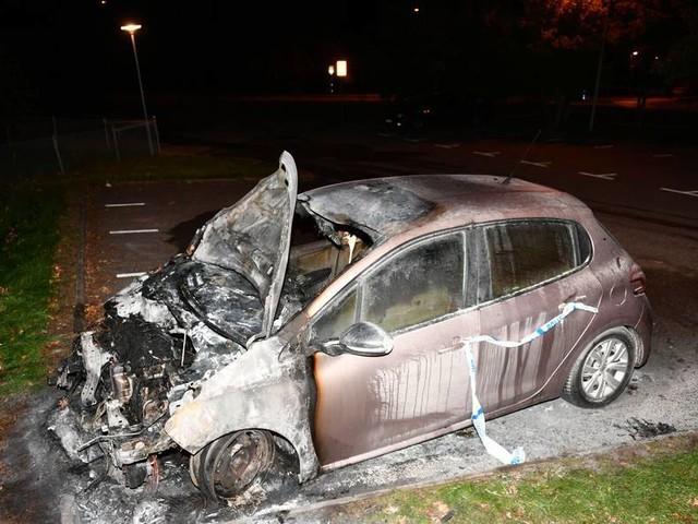 Polisen ser mönster i Oxies bilbränder – kom minuter för sent vid senaste larmen