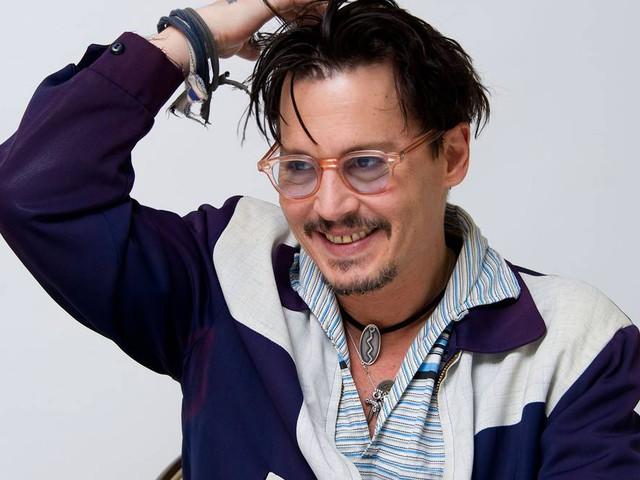 Johnny Depp besöker barnsjukhus – som kapten Jack Sparrow