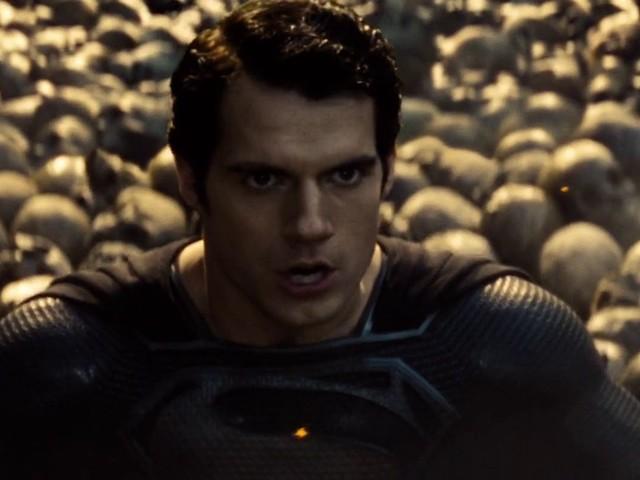 Därför bär Superman inte den svarta dräkten i Man of Steel