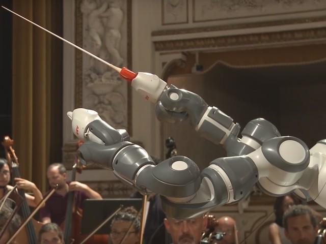 ABB:s YuMi-robot blir operadirigent i Italien