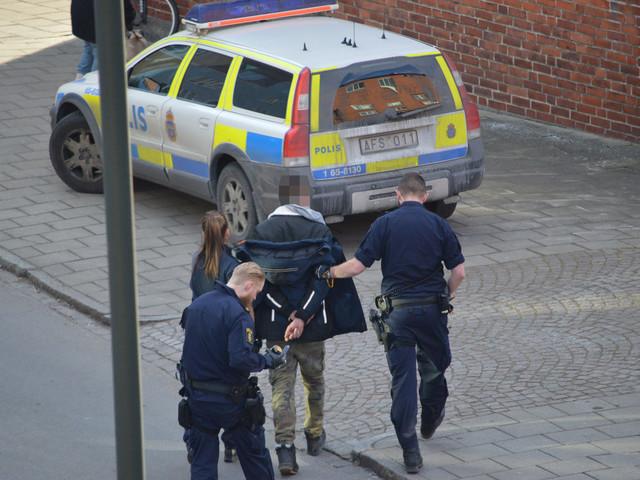 """Polisingripande på Kirseberg: """"Knivbeväpnad man kastade cyklar runt sig"""""""