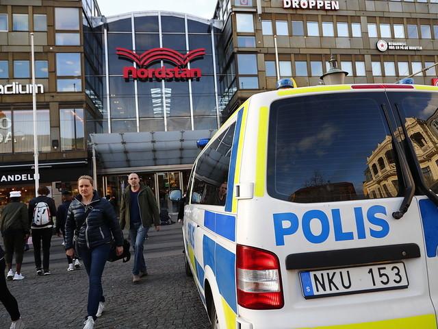 Ung man död efter knivskärning i Göteborg