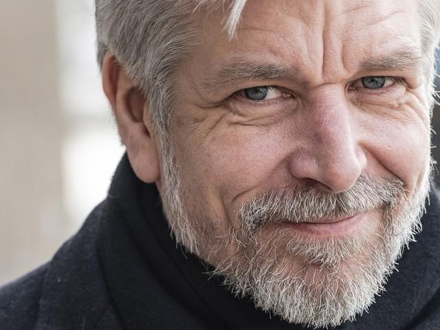 Karl Ove Knausgård planerar ny bokserie