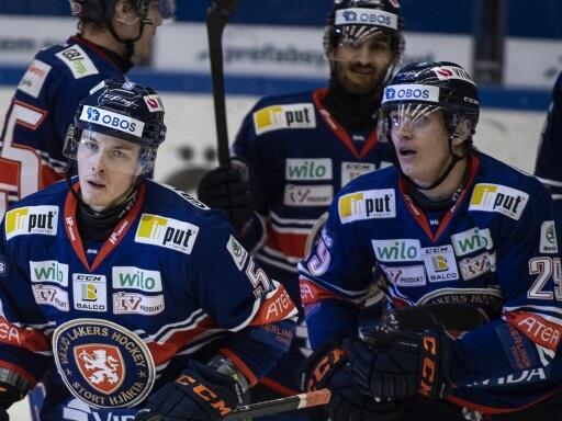 """Vainio bjöd på reprismål: """"När en back avslutar med backhand kan pucken gå var som helst"""""""