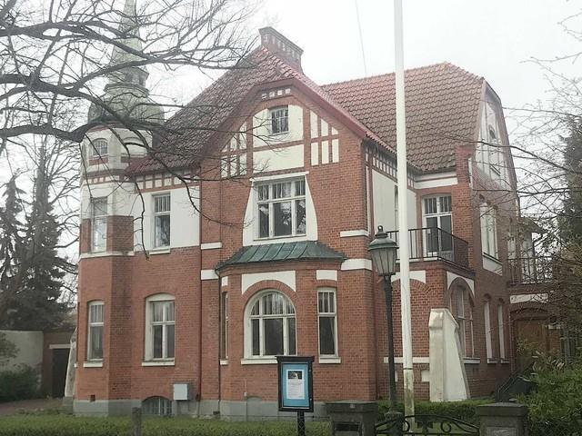 Kyrkan säljer lyxvilla på Fridhem för mångmiljonbelopp