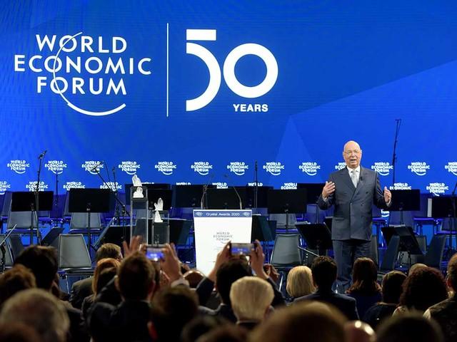 Davos: Finanseliten flyr börsen